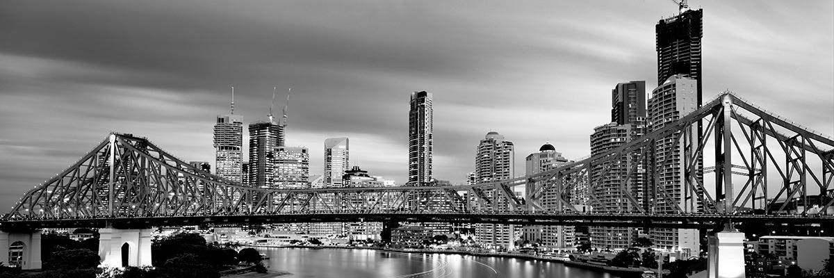 217 80 story bridge under cloud